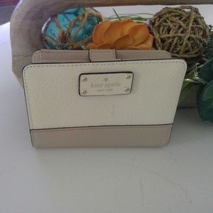 Kate Spade Grove street tellie bifold wallet *NEW*